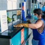 Василий Орлов проверил, как проводится дезинфекция в аэропорту Благовещенска